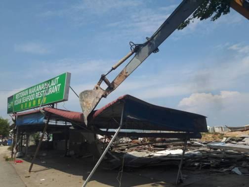 情人桥餐馆被拆除
